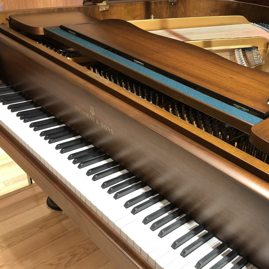 Steinway & Sons S 1958