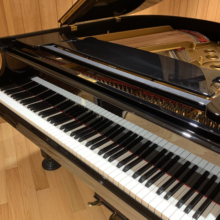 Steinway & Sons S 1960