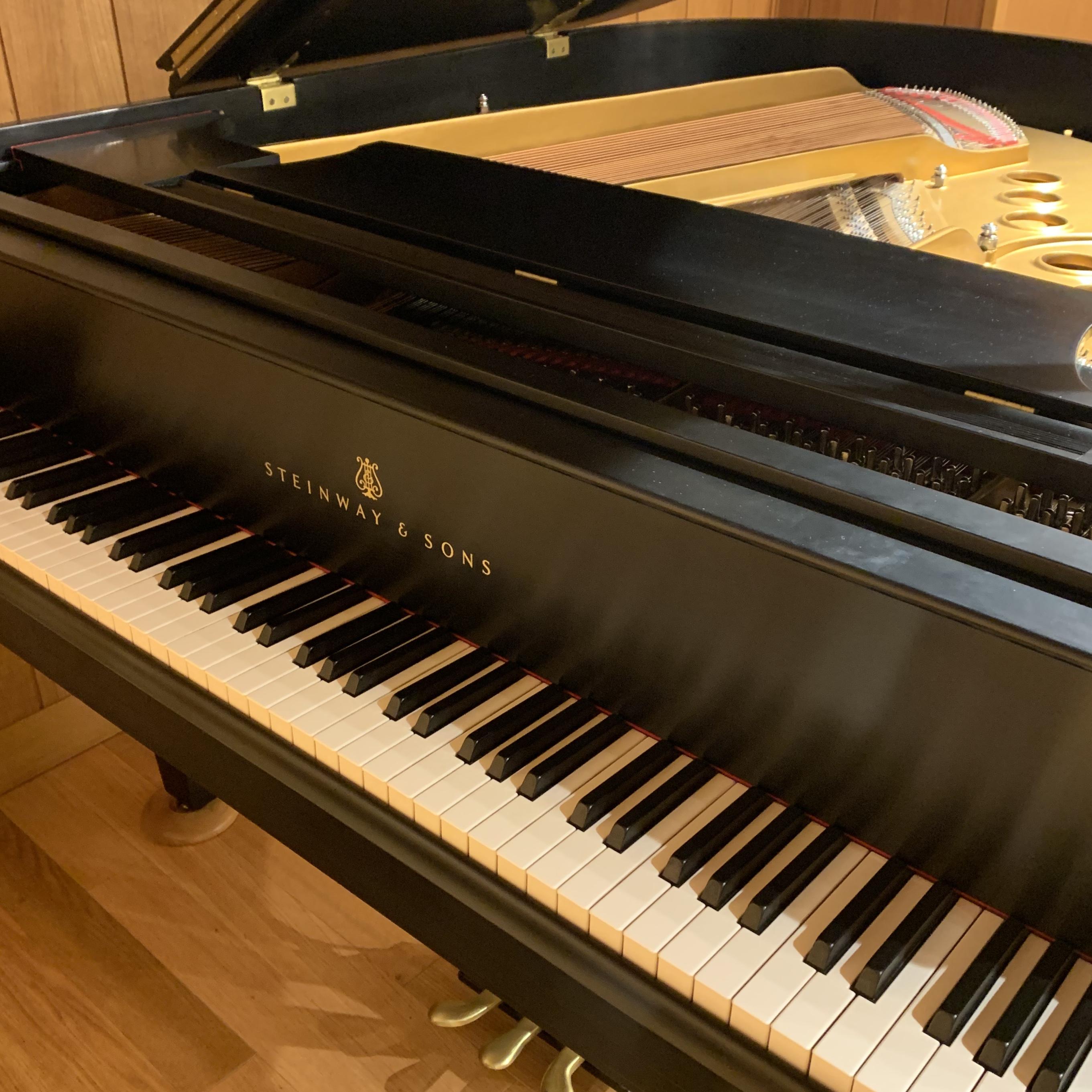 スタインウェイ 中古ピアノ